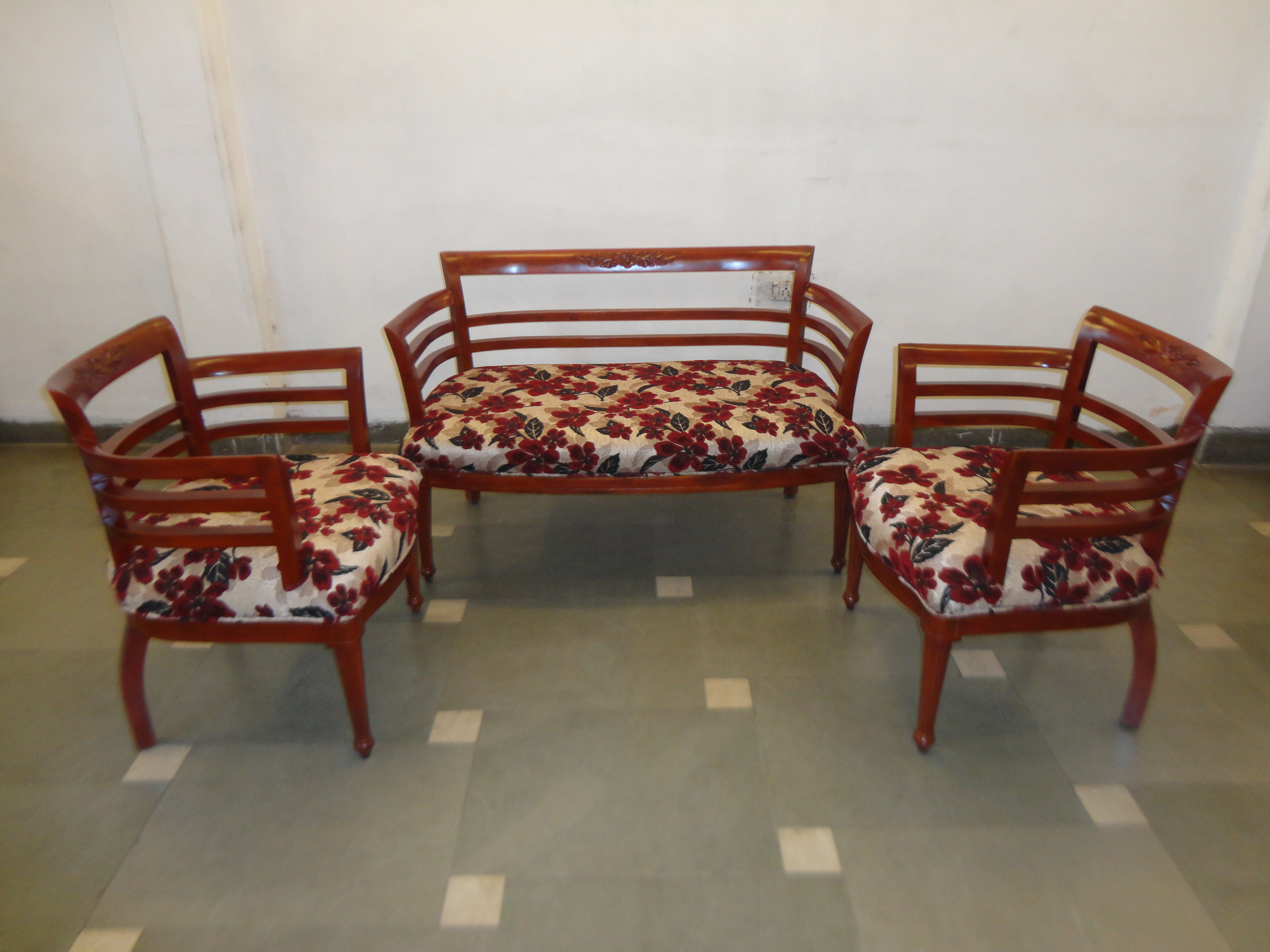 Tokri Sofa Sets View Specifications & Details of Designer Sofa