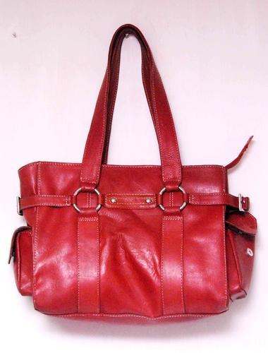c253d10e122 Ladies Hand Bags - Red Fashion Leather Hand Bag Exporter from Kolkata