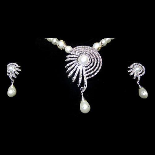 Designer diamond pendant set premier diamonds retail trader in designer diamond pendant set aloadofball Images