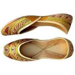 Designer Juttis For Cultural Events