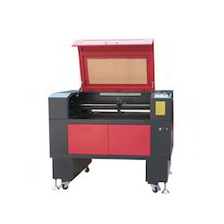 Acrylic Cutting Machine At Best Price In India
