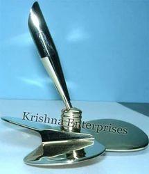 Propeller Pen Holder