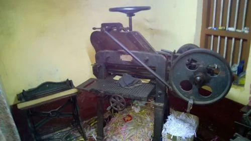 Old Printing Press Cutting Machine
