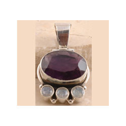 925 Sterling Silver Beautiful Amethyst Pendent