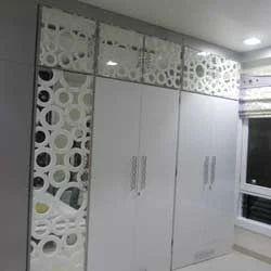 Genial Acrylic Door