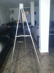 Tripod Stand Easel