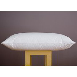 Homescapes Luxury Feather Pillow