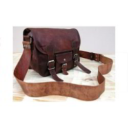 Small Leather Bold Saddle Bag