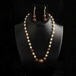 Konnect Box Artificial Diamond Fashion Beaded Necklace Imitation Jewellery, Size: Free