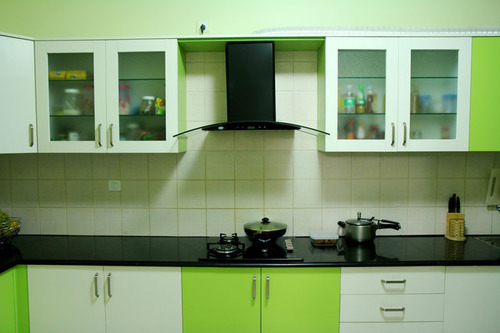 Modular Kitchen Kitchen With Chimney And Laminated