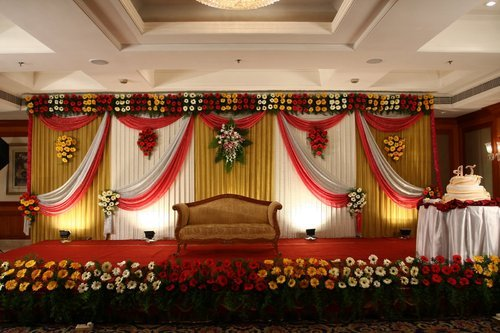 Marriage stage decoration in mumbai santacruz east by rutu arts llp marriage stage decoration junglespirit Gallery
