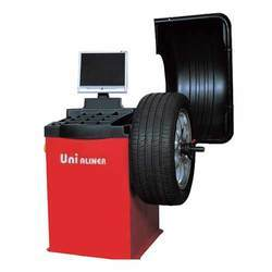 Unialiner Wheel Balancing Machine