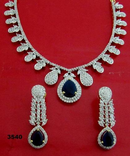 White American Diamond And Shire Necklace Set
