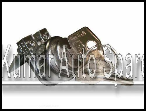 LAMBRETTA STEERING LOCK /& KEYS FOR SERIES 3 MODELS TOP QUALITY
