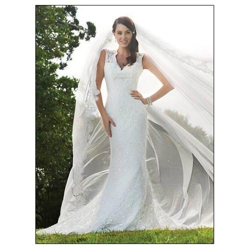 Shiloh White And Champagne Straight Bridal Gowns, Rs 15000 /piece ...