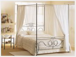 Four Poster Leaf Bed