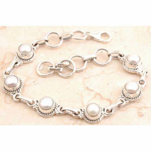 f293b88a153be2 Genuine Pearl Bracelet, खरे चांदी का कंगन - Ashish ...