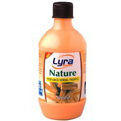 Lyra Sandal Herbal Phenyle, Packaging Type: Can, Plastic Bottle