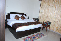 Suites  Rooms Service