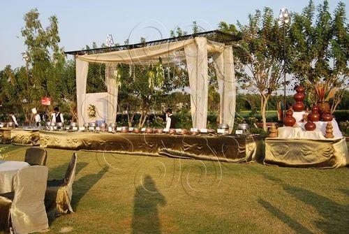 Black gold theme wedding decor in paldi ahmedabad shangar black gold theme wedding decor junglespirit Images