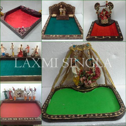 Wedding Gifts For 3000 Rupees : Indian Wedding Theme-Saree Packing Trays - Paper Mache Theme Trays ...