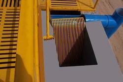 Mechanical Screens