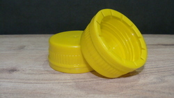 3 Start Folding Seal Cap