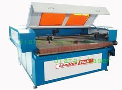 Roll to Roll Fabric Laser Cutting Machine