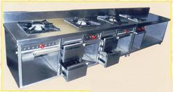 Four Gas Burner with Storage Counter