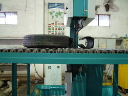 Tyre Cutting Vertical Machine