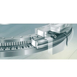 Axial/Radial Bearings With Integral Measuring System