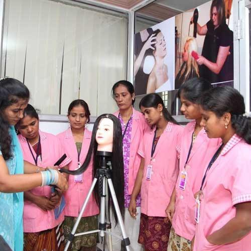 Beautician Course, Beautician Training Course in Pune
