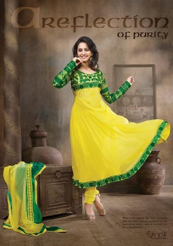 Pavitraa Elegant Lemon Yellow And Green Color Bridal Velvet