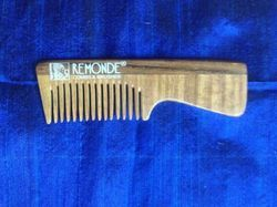 NATURAL WOOD POCKET HANDLE COMB