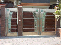 Stainless Steel Gate Designs with Glass