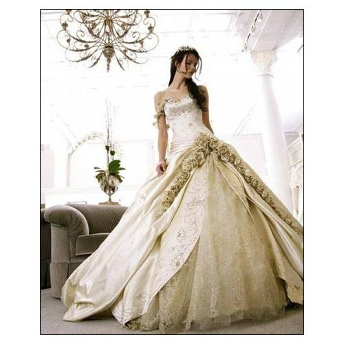 30-42 Inch Half White & Champagne Floral Bridal Gowns, Rs 27000 ...