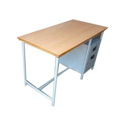 Steel Office Table at Rs 1950 /piece | Executive Office Table ...