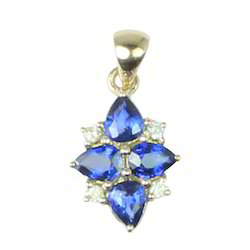18K White Gold Pear Sapphire Diamond Pendant