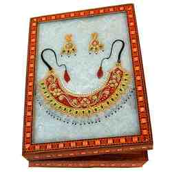 Classic Jewelery Box