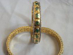 Fine Emerald Bangle