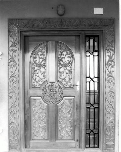 Lovely Traditional Main Door