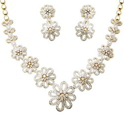 Floral Design Gold Diamond Necklace Set