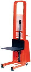 Battery Operated Hydraulic Lift Stacker