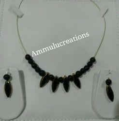 Black Bead Pendant Set