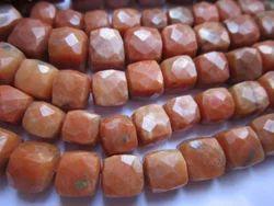 方形棕色碧玉盒珠,尺寸:8-9毫米