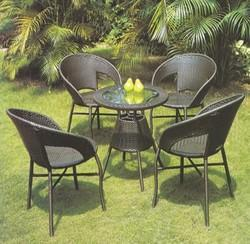 garden table set - Garden Furniture Delhi