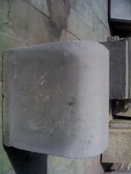 Outdoor Gray Concrete Kerb Stone, For Landscaping