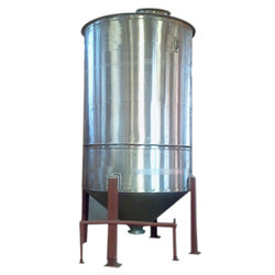 Vertical Cylindrical Storage Vessel