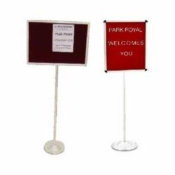 Single Pole Stand