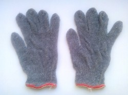 Grey Colour Knitted Hand Gloves